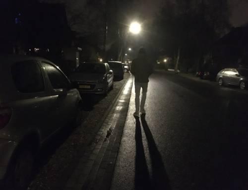 Praten met tieners over de avondklok